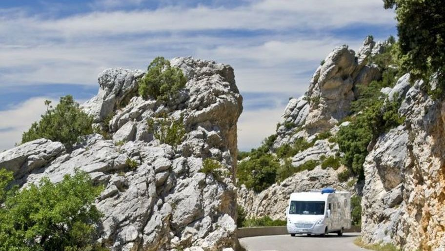 Ten top tips for driving in Europe